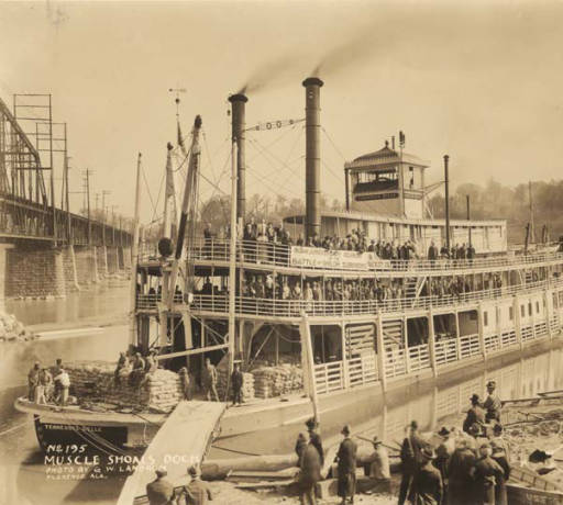 TENNESSEE BELLE pleasure boat at Muscle Shoals dock ca. 1925