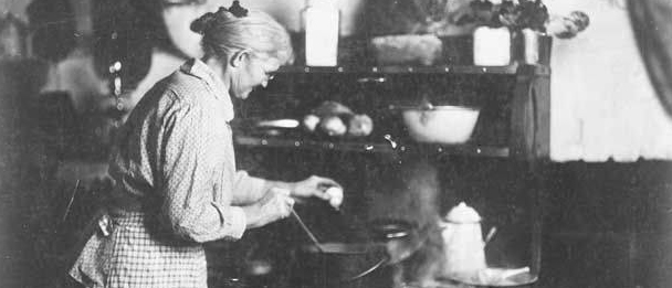 PATRON + RECIPE WEDNESDAY: Boiled and German Custard recipes from the 1890s