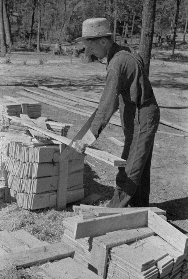 Cutting wood for shingles in Jackson County, Alabama
