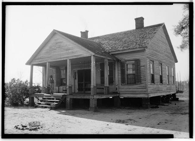 W. N. Manning, Photographer, December 13, 1934 FRONT AND SIDE VIEW, N.E. - S. M. Dunwoody House, Abbeville Highway, Columbia, Houston County, AL
