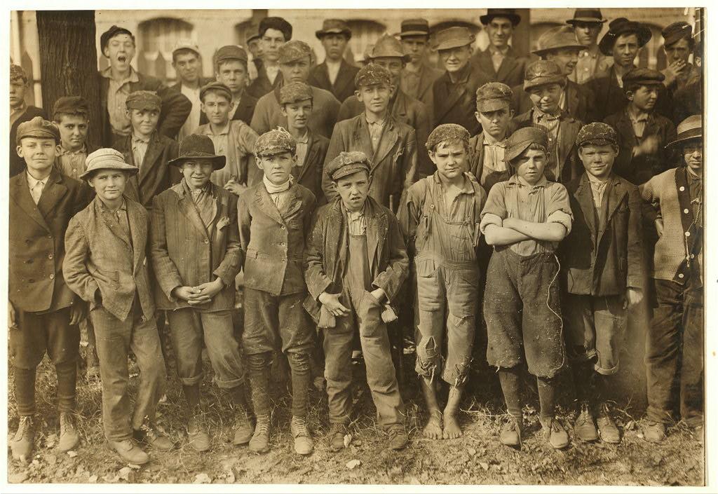 People working in Dallas Mills6 1910