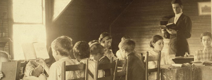 Patron+ GOOD OLE DAYS: Some cotton mill children went to school, if you can call them schools [old photographs]