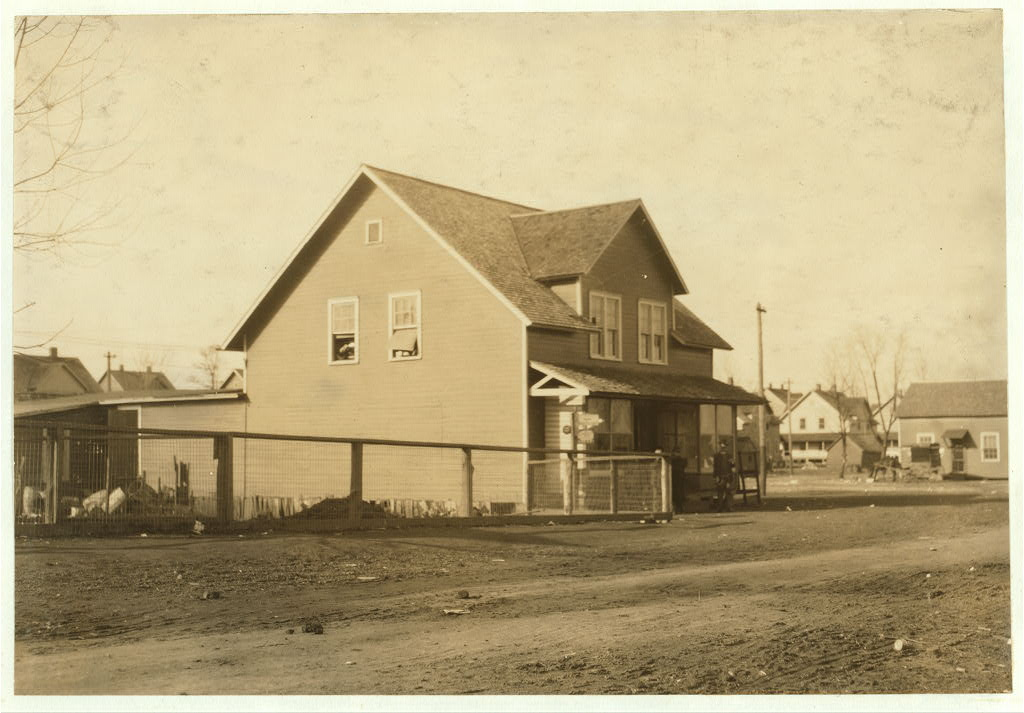 school. outside-building - Merrimack mills - hine - dec. 1913