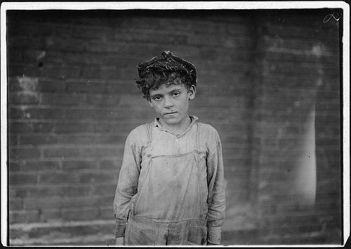 Young sweeper at Anniston Yarn Mill Nov. 1910 photo by Lewis HInes