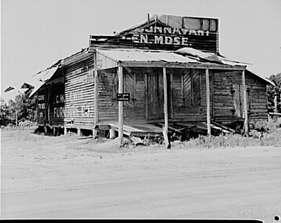 Abandoned store in Advance, Alabama 1936