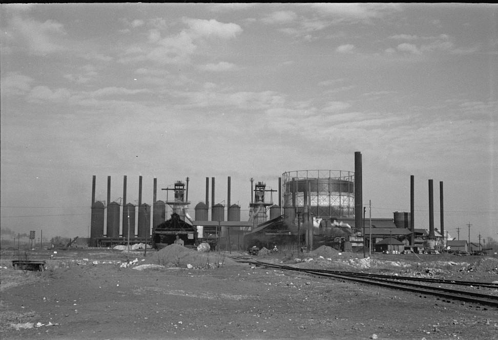 Birmingham steel works 1937 by photographer Arthur Rothstein