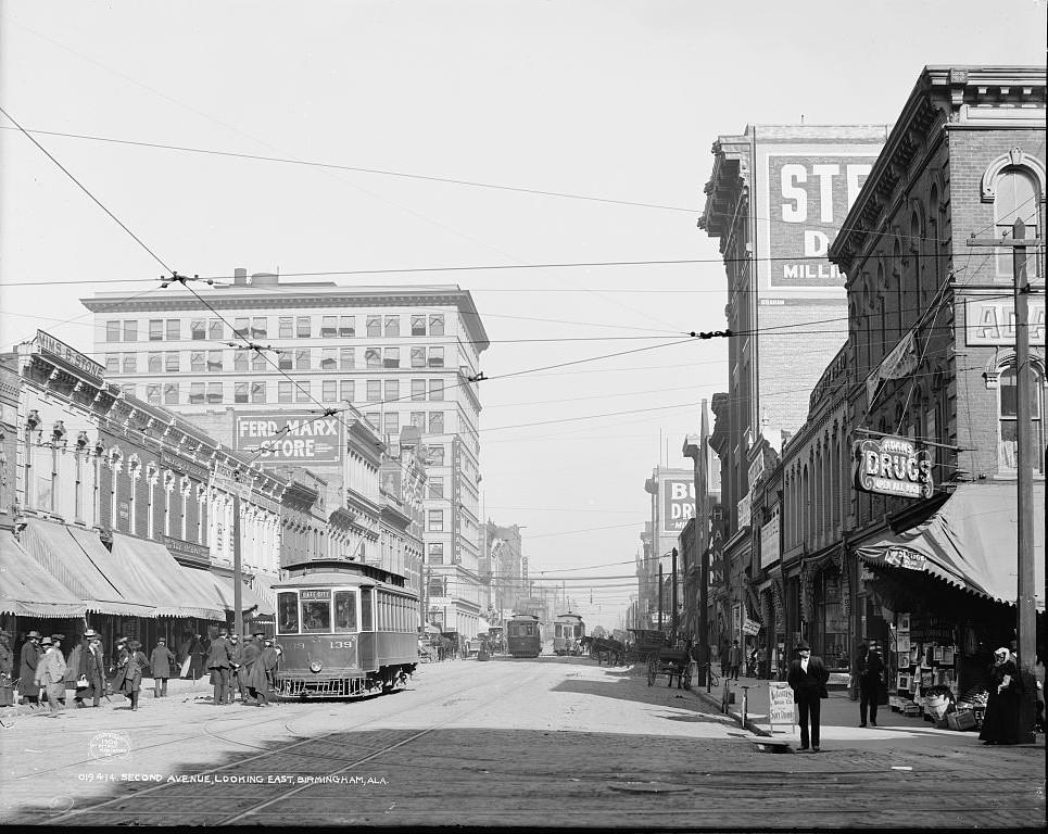 Birmingham, 2nd Avenue, looking east 1906, photo taken by Detroit Publishing