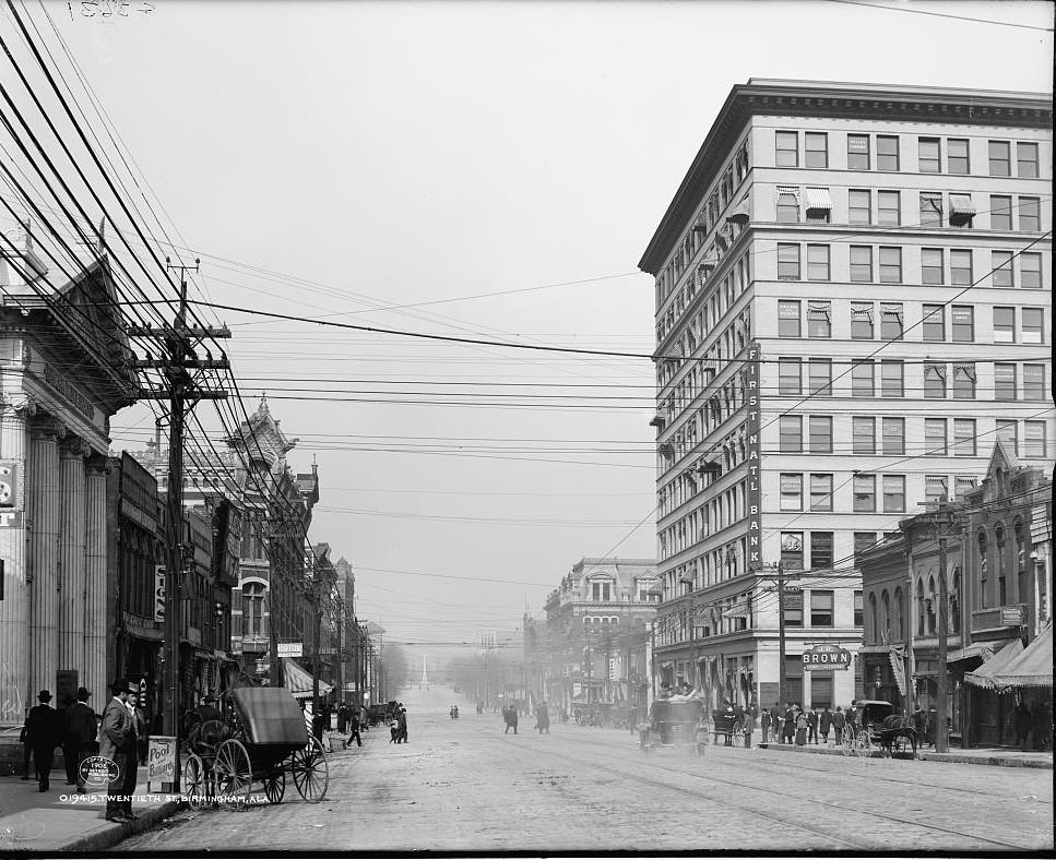 Twentieth Street in Birmingham, photo taken 1906 by Detroit Publishing