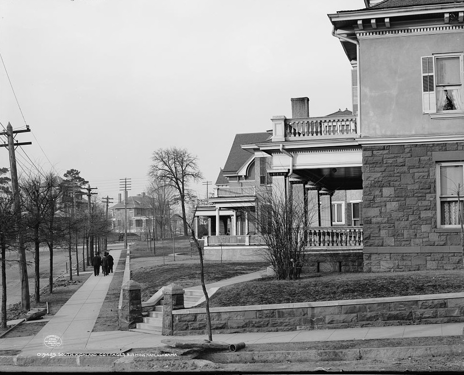 South Highland cottages in Birmingham 1906, photo by Detroit Publishing Company
