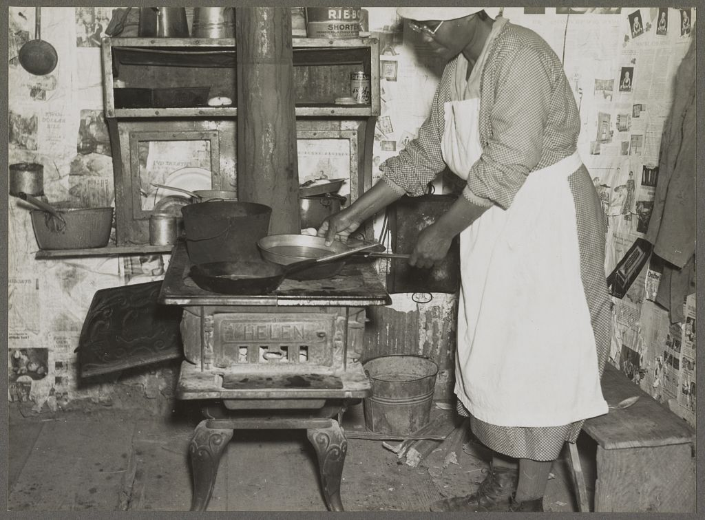 Lucy, former cook for the Pettways. Gees Bend, Alabama, 1937 Photograph taken by Arthur Rothstein