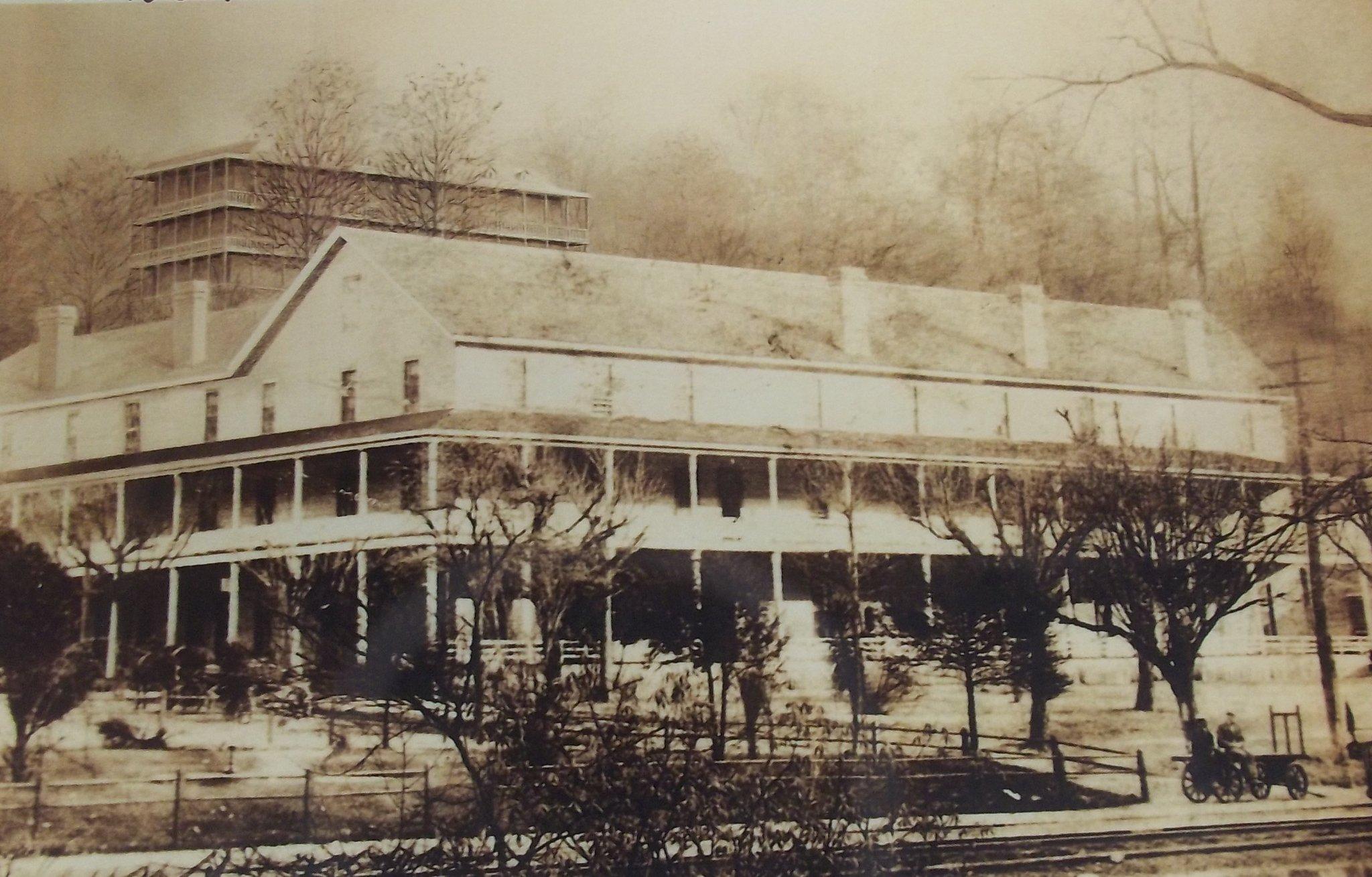 Blount springs jackson house hotel