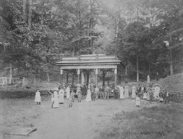Copy photograph of a group at Blount Springs in Blount County, Alabama ca. 1890 by photographer John Englehart Scott (Alabama Department of Archives and History)