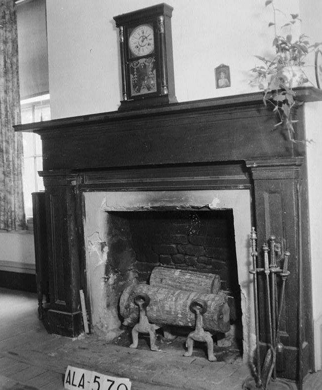 glennville plantation10 MANTEL IN SITTING ROOM (S.W. ROOM) ADJOINING PARLO - Elmoreland