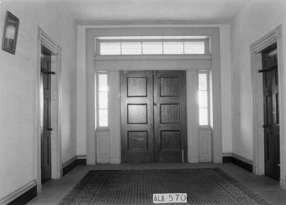 glennville plantation13 VIEW IN HALL UPSTAIRS, FRONT HALL DOOR AND 2 SIDE DOORS. - Elmoreland