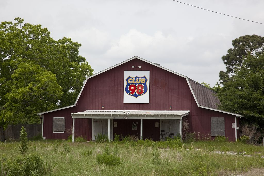 Point Clear club 98 barn