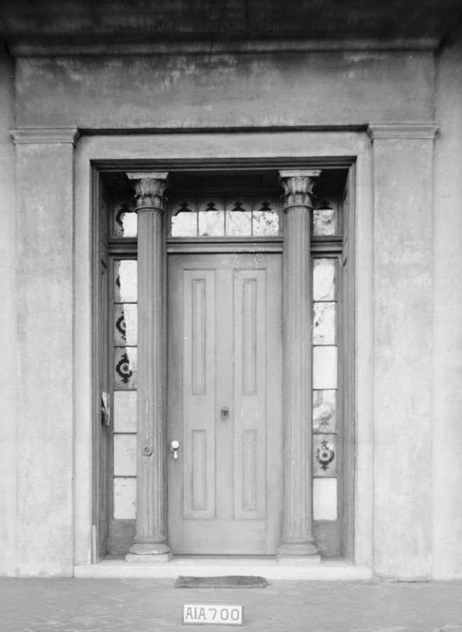 Sturdivant Hall 1934 front doorway