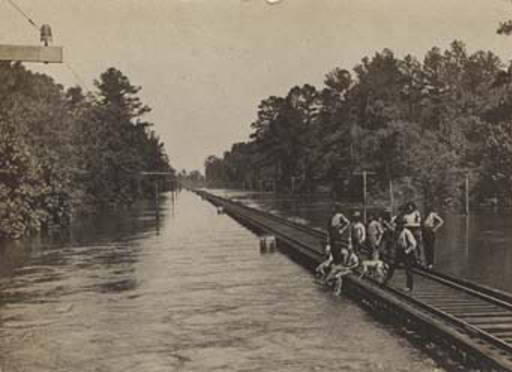 flood waters near top of railroad fruitdale 1908