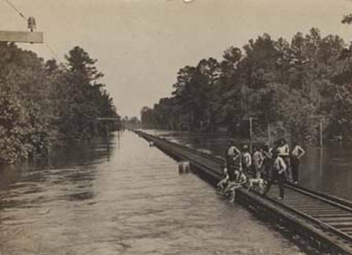 flood waters near top of railroad fruitdale 1908