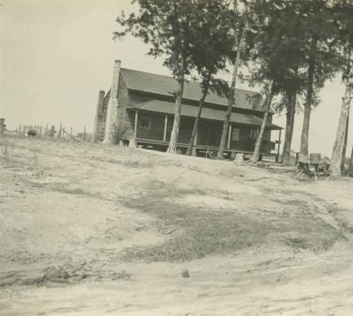 Houseon theDixieOverlandHighwayinGlennville,Alabama