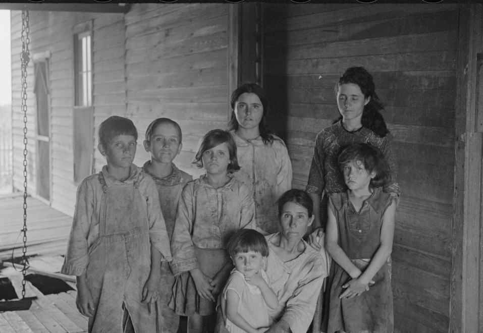 Tengle family group 1936