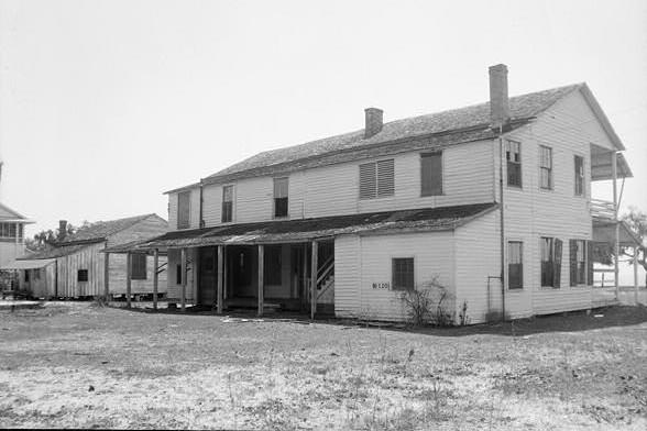 gunnison house back