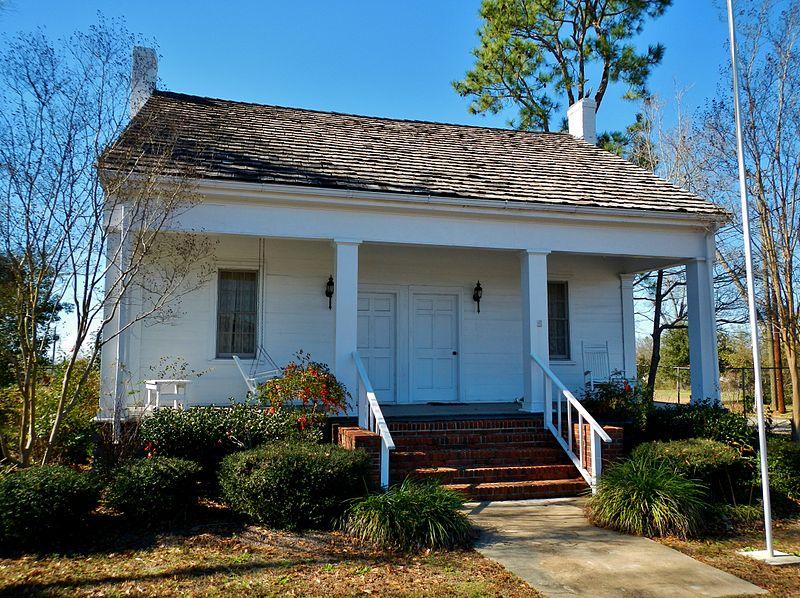 800px-Bethune-Kennedy_House_Abbeville,_Alabama