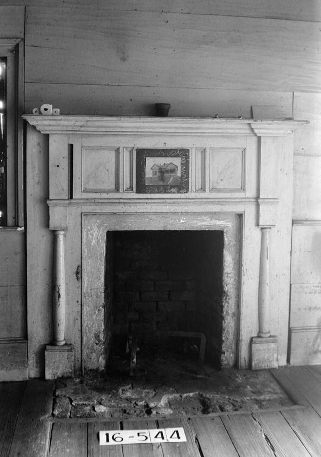 W. N. Manning, Photographer, December 12, 1934 MANTEL IN N.E. BED ROOM - Bartlett Smith House, River Road