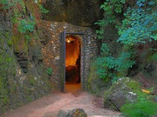 How many caves have you visited around Alabama?