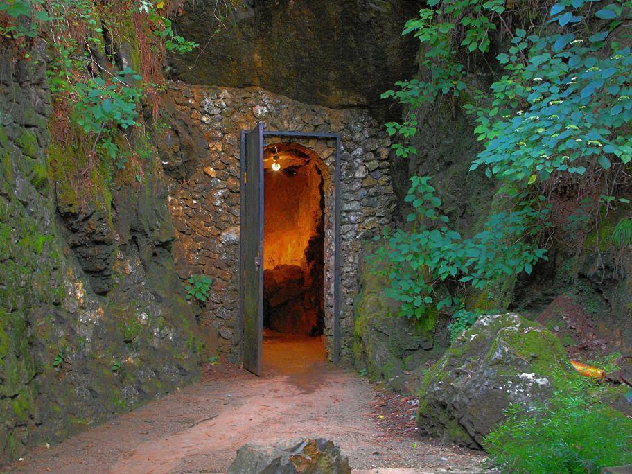 cavespring