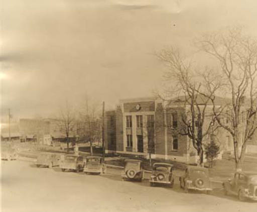 marshall county courthouse ca. 1939
