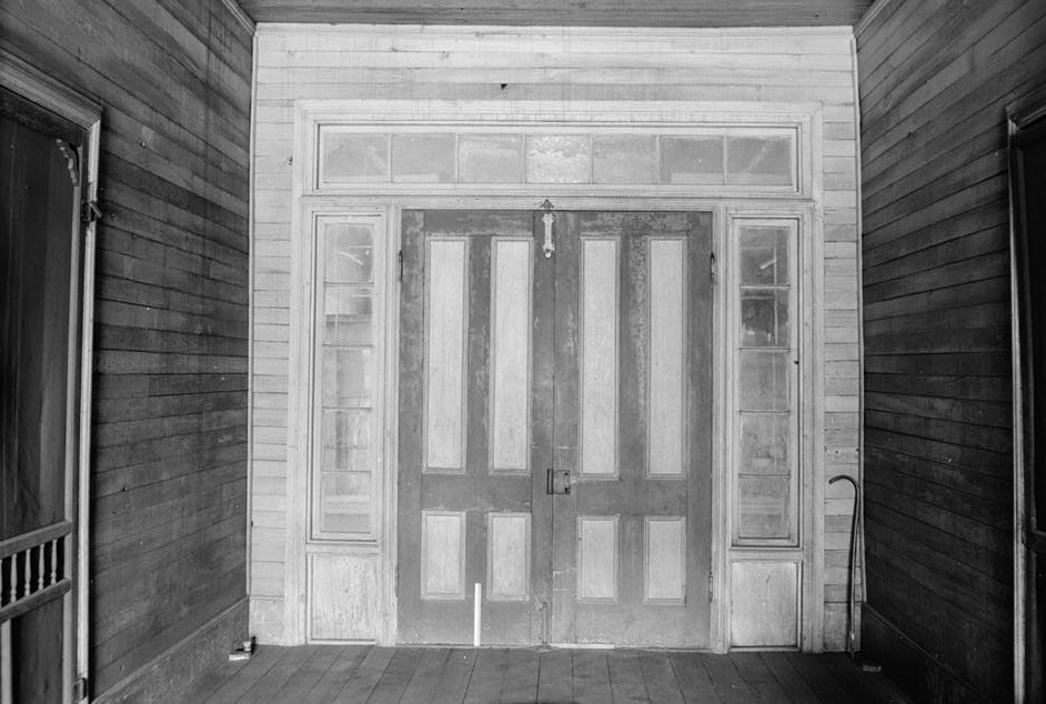 oates-danzey house hall and rear door abbeville
