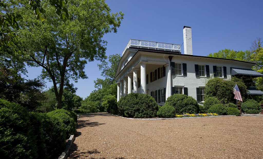 pope mansion 2010