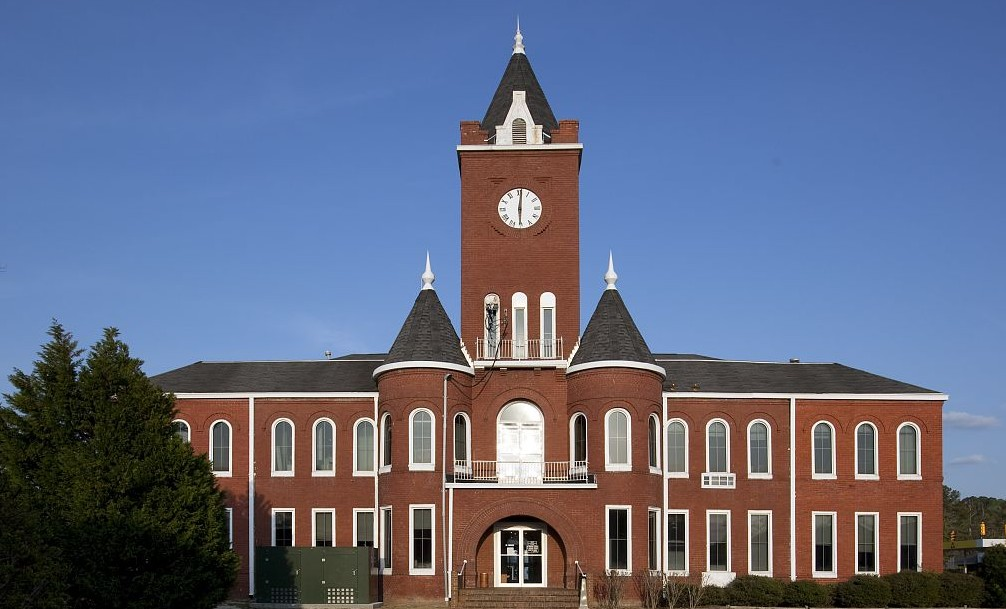 Coffee County Courthouse in Elba, Alabama by Carol Highsmith