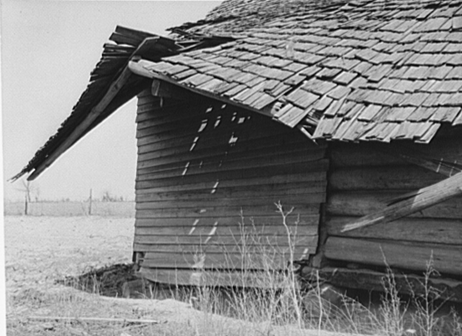 Section of old deserted house. Coffee County, Alabama 1939 (Marion Post Wolcott Library of Congress)