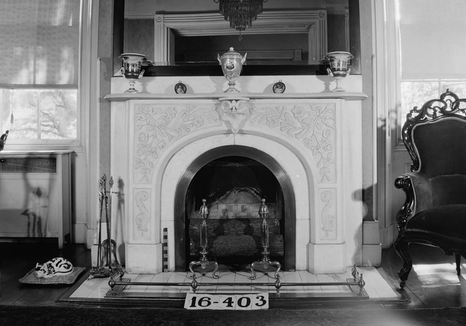 W. N. Manning, Photographer, April 25, 1934. DETAIL (FIREPLACE) - DRAWING ROOM - Governor Thomas Bibb House, 303 Williams Street, Huntsville, Madison County, AL