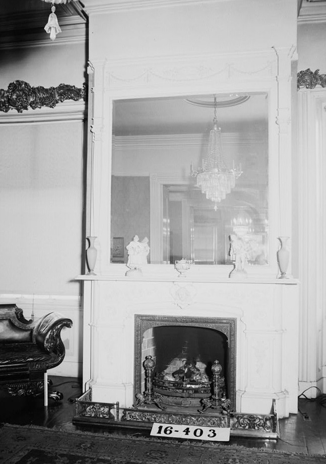 W. N. Manning, Photographer, April 25, 1934. Mantel and over-mantel library - Governor Thomas Bibb House, 303 Williams Street, Huntsville, Madison County, AL