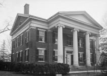 Beautiful Bibb Mansions, truth versus fiction [photographs]