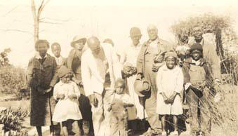 Caleb_Stevens_and_family_on_the_Williams_plantation_in_Clayton_Alabama