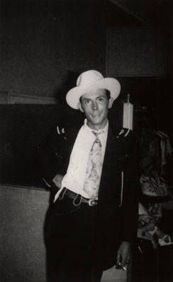 Hank_Williams_at_WSM_Studios