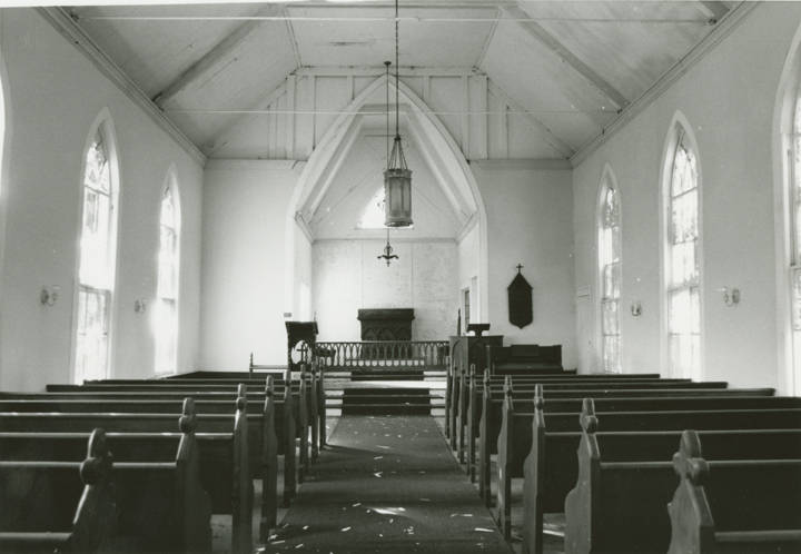 Nave_and_chancel_of_the_Grace_Episcopal_Church_in_Clayton_Alabama