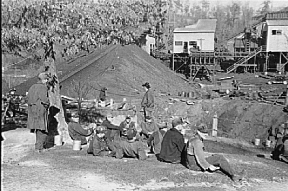 Bankhead Mines, Walker County, Alabama by Arthur Rothstein2 1937