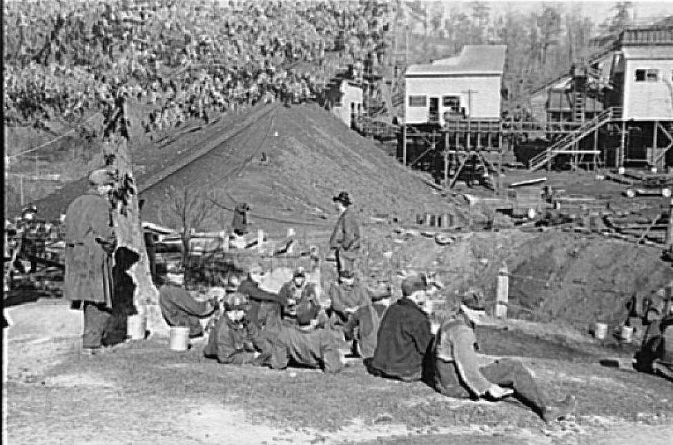 Bankhead Mines, Walker County, Alabama by Arthur Rothstein2 1937