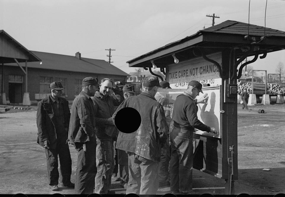 Coal miners, Birmingham, Alabama5 rothstein 1937