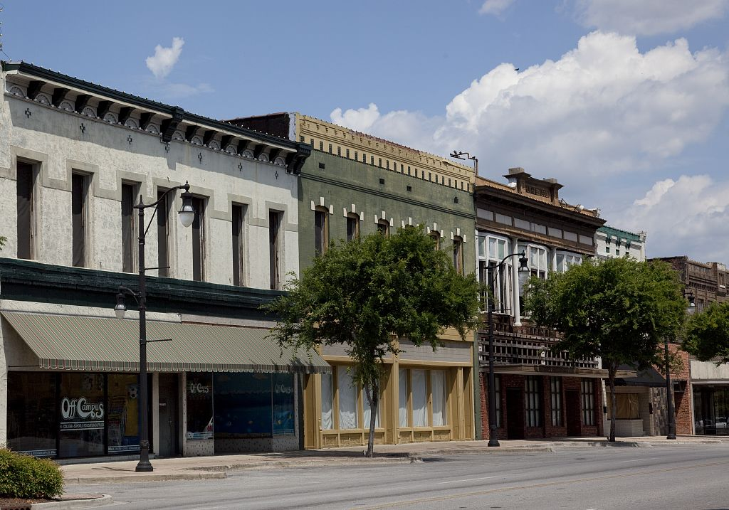Historic downtown Gadsden, Alabama by photographer Carolyn Highsmith 2010 (Library of Congress)