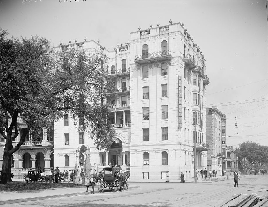 Hotel Bienville - Mobile, Alabama - ca. 1900 - Detroit Publishing Company