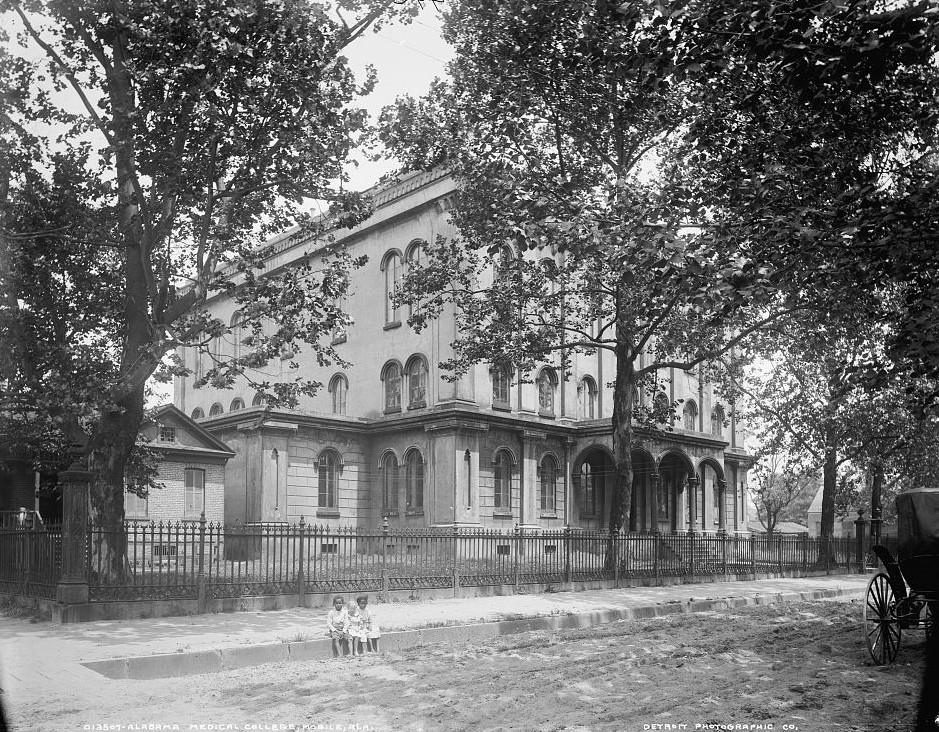 Medical College of Alabama, Mobile, Alabama - ca. 1909- Detroit Publishing Company2