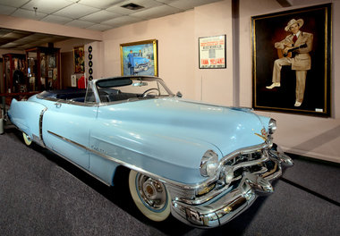 hank williams 1952 Blue Cadillac in which he took his final journey in Hank Williams museum, Montgomery, Alabama