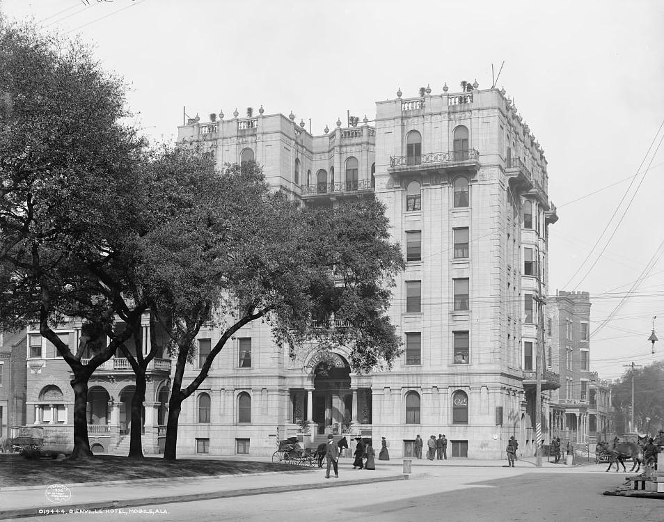 Bienville Hotel, Mobile, Alabama ca. 1900 - Detroit Publishing