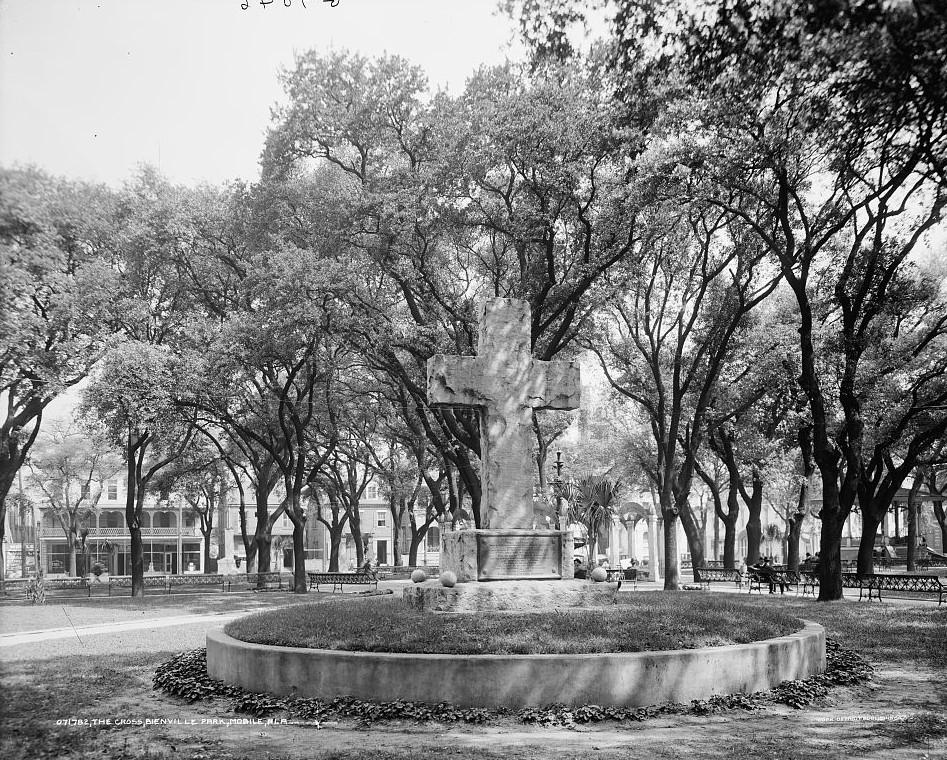 The Cross, Bienville Square Park Mobile, Ala. ca. 1900 - Detroit Publishing Company