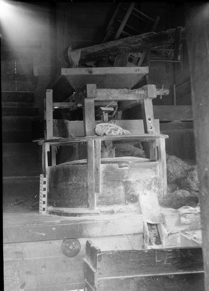 Alex Bush, Photographer, April 4, 1936 MILL HOPPER - McCaleb-Hollingsworth Mill, Mill Creek, Fayette, Fayette County, AL
